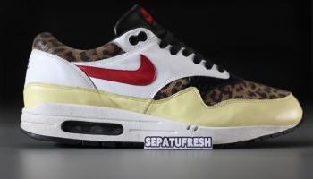 huge discount 37ecd 899a7 Nike Air Max 1 - photo 2 9