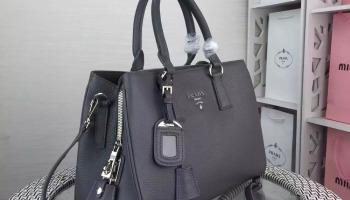 Clara Convertible Handbag-Backpack – What to Wear Daily